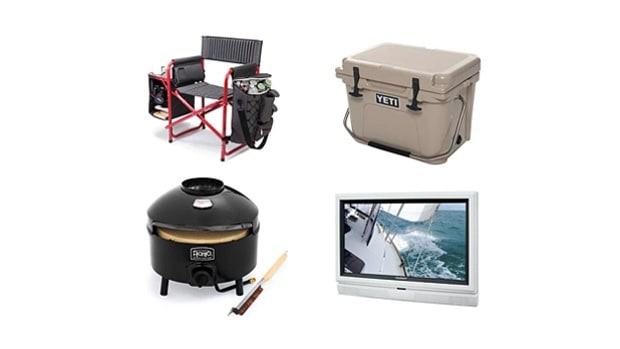 12 Tailgating Essentials: Best Gear