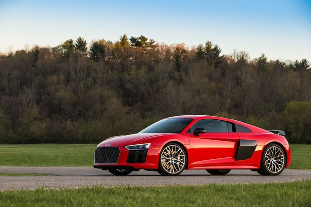 Sports and Performance: 2017 Audi R8 V10 Plus