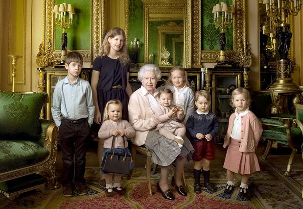 http://img.wennermedia.com/620-width/queen-elizabeth-kids-zoom-a78b1aeb-8ac8-4c32-a9b6-0d5e9212815b.jpg