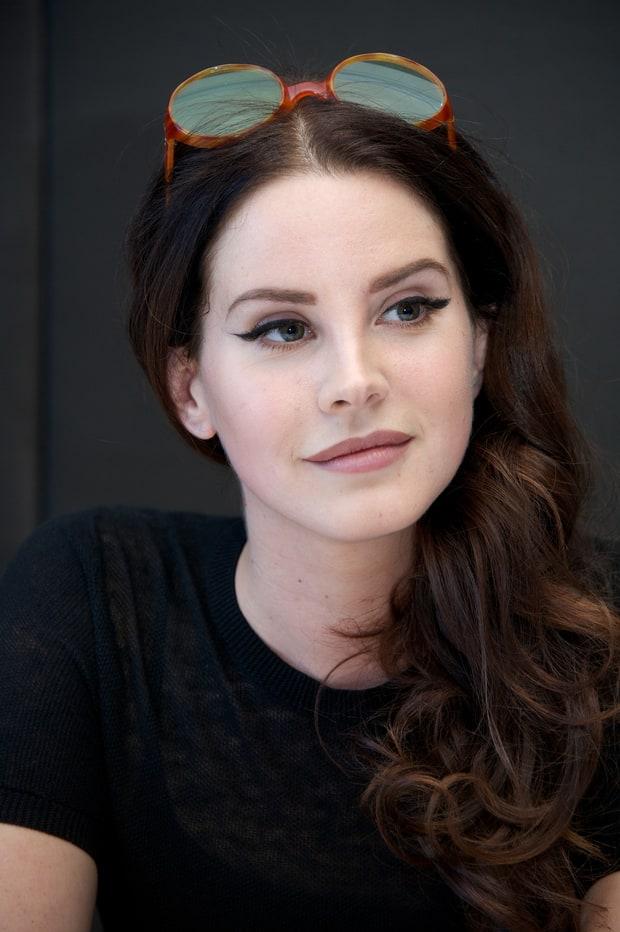 Lana Del Rey Clarifies...