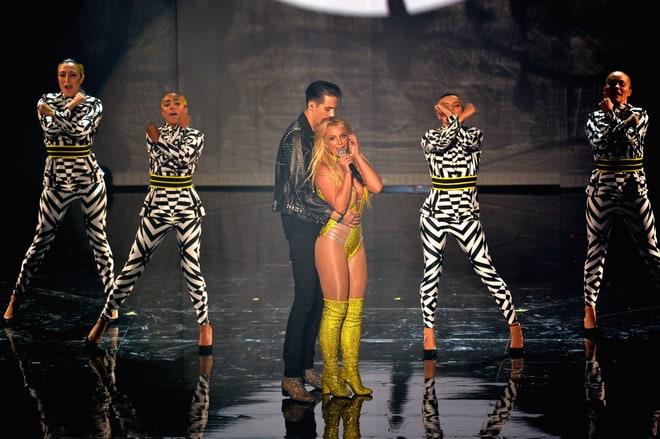 MTV VMA 2016: 20 Best and Worst Moments mtv vma 2016 MTV VMA 2016: 20 Best and Worst Moments britney spears g eazy performing vmas 2016 d81a0bbf b662 417f 9f73 2451e992846a