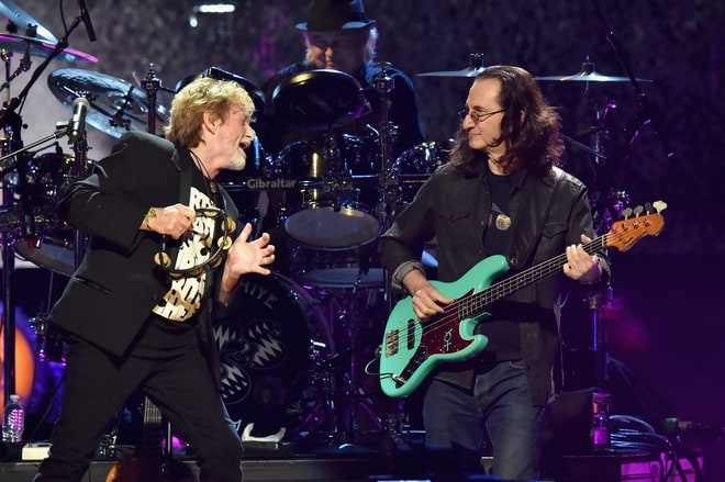Rush's Geddy Lee Joins Yes for