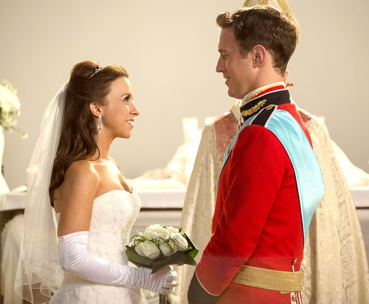Lacey Chabert Wears Her Wedding Dress for Hallmark Movie ...