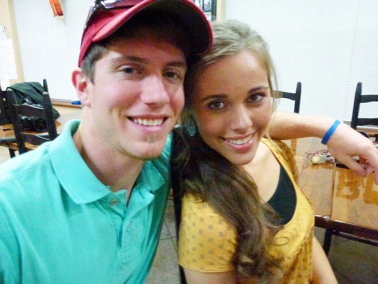ben dating a duggar Jessa duggar didn't exactly follow all of her family's strict rules when she was courting her husband ben seewald in a new, revised edition of her book growing up duggar.