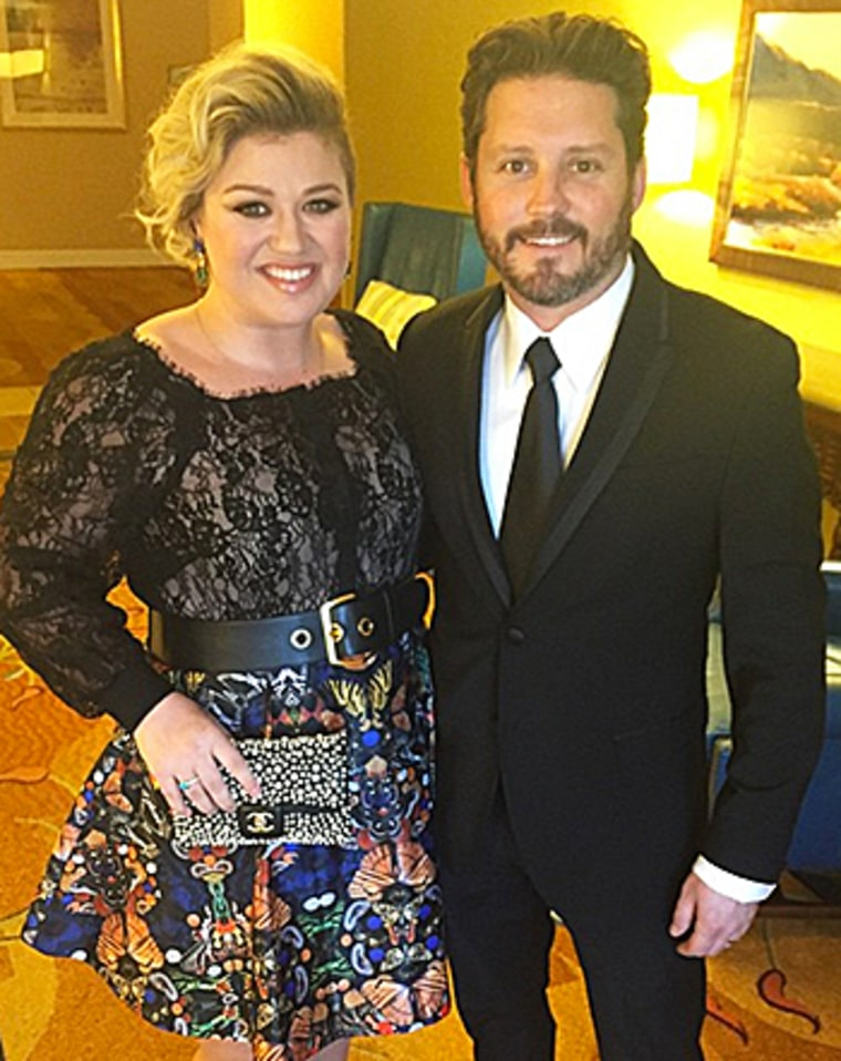 is dating site kelly clarkson married While kelly clarkson the american idol alum married 'crazed rock groupie' katy perry turning abc's 'american idol' into personal dating.