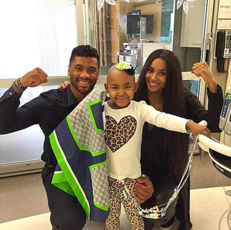 Russell Wilson, Ciara Visit Kids at Seattle Children's ...