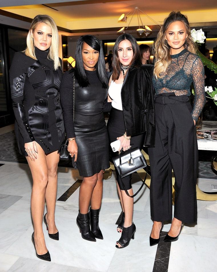 Khloe Kardashian Pregnant Chrissy Teigen Have A Stylish