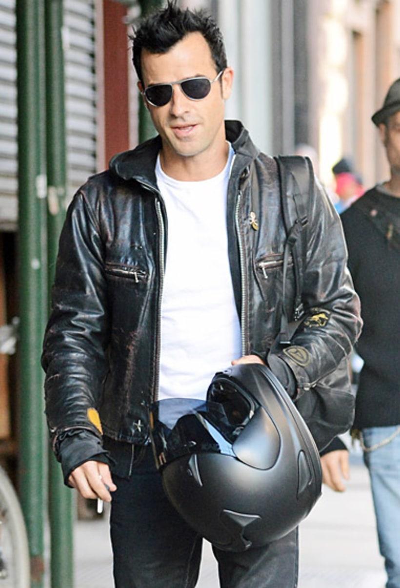 Justin Theroux Jen S Biker Babe Hot Pics Us Weekly