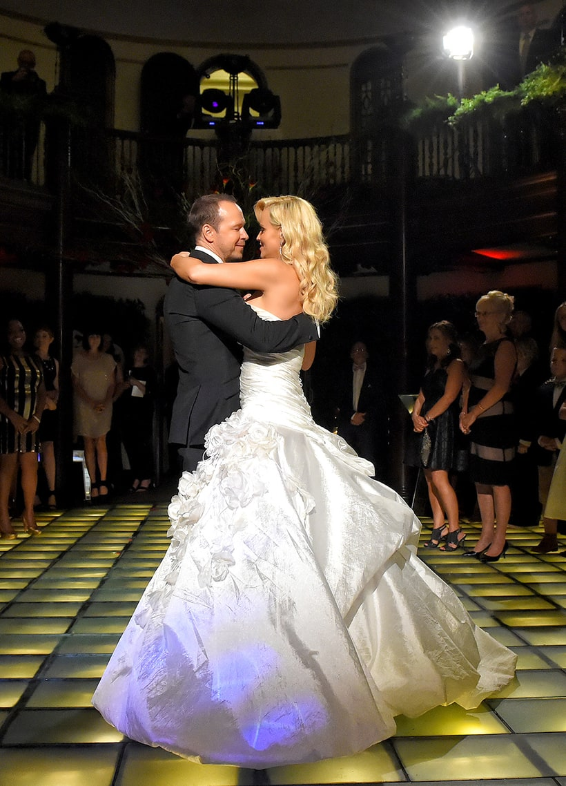 first dance jenny mccarthy and donnie wahlbergs wedding