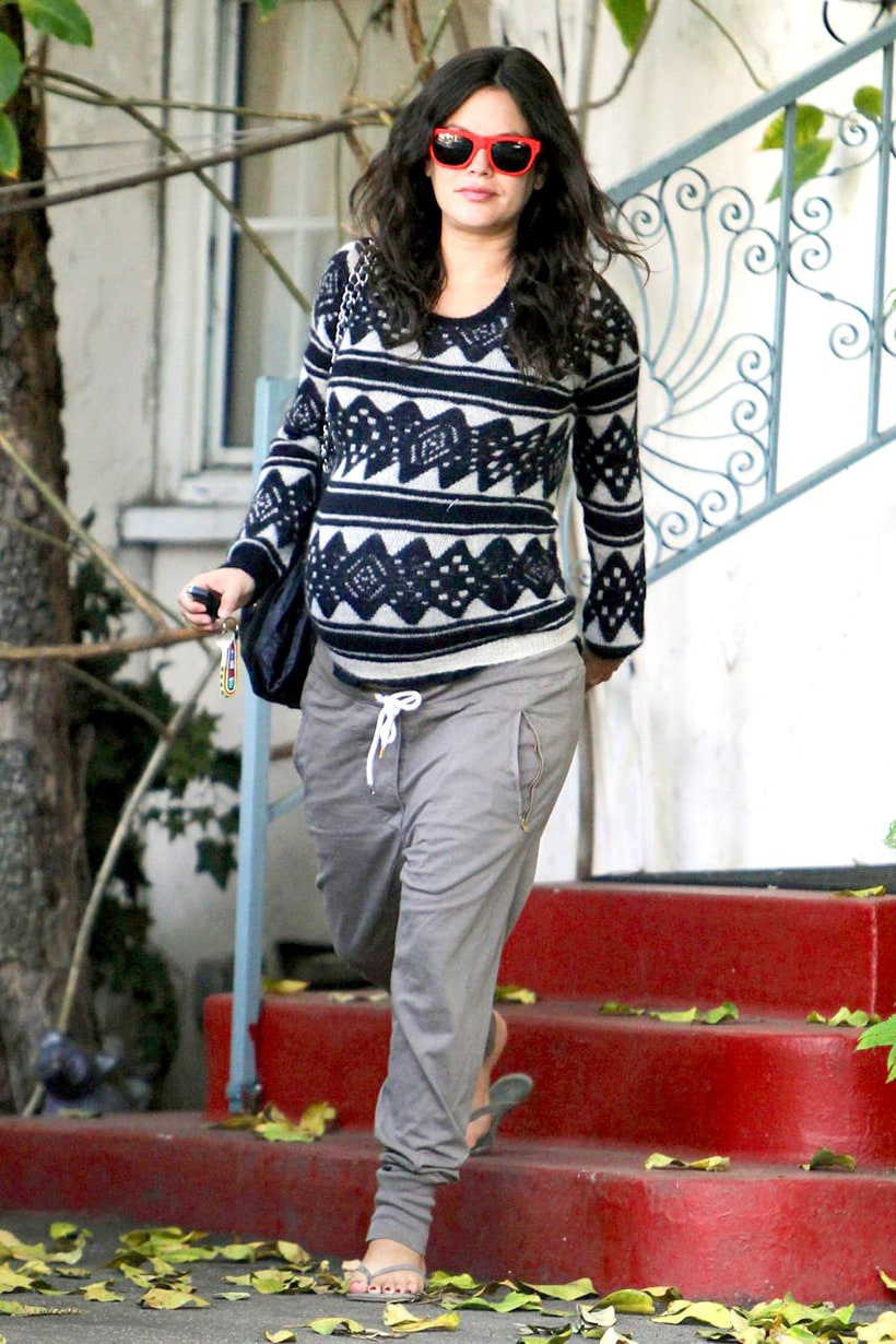 Sweater Weather Rachel Bilson S Pregnancy Style Us Weekly