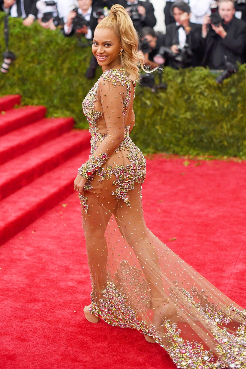 Beyonce S Met Gala Looks And Her Life In The Spotlight