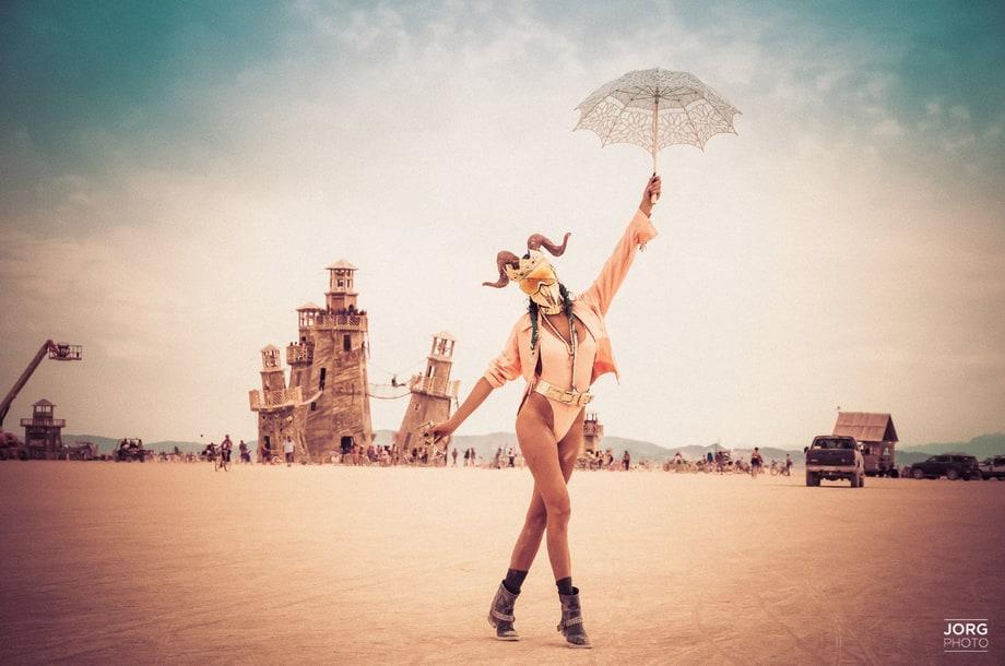 Burning Man 2016 Surreal Otherworldly Photos Rolling Stone