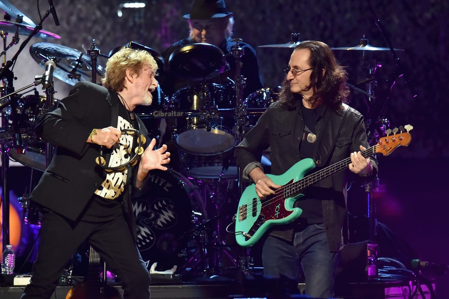 Resultado de imagen de Yes Roundabout with Geddy Lee on Rock & Roll Hall of Fame 2017