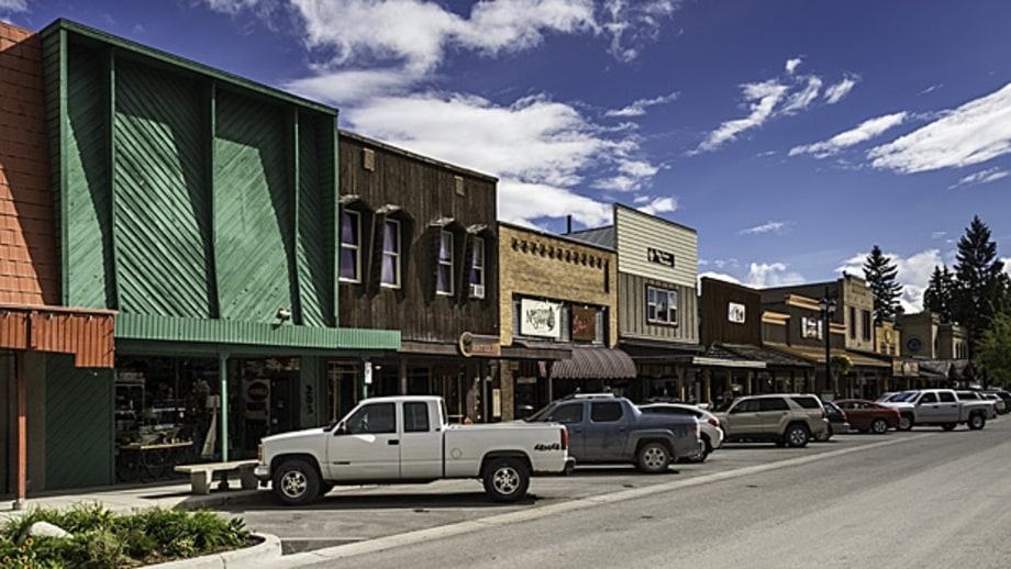 10 Great Small Towns to Visit in 2014