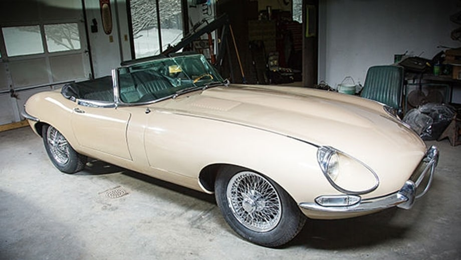Jaguar E-Type (1961–1974)