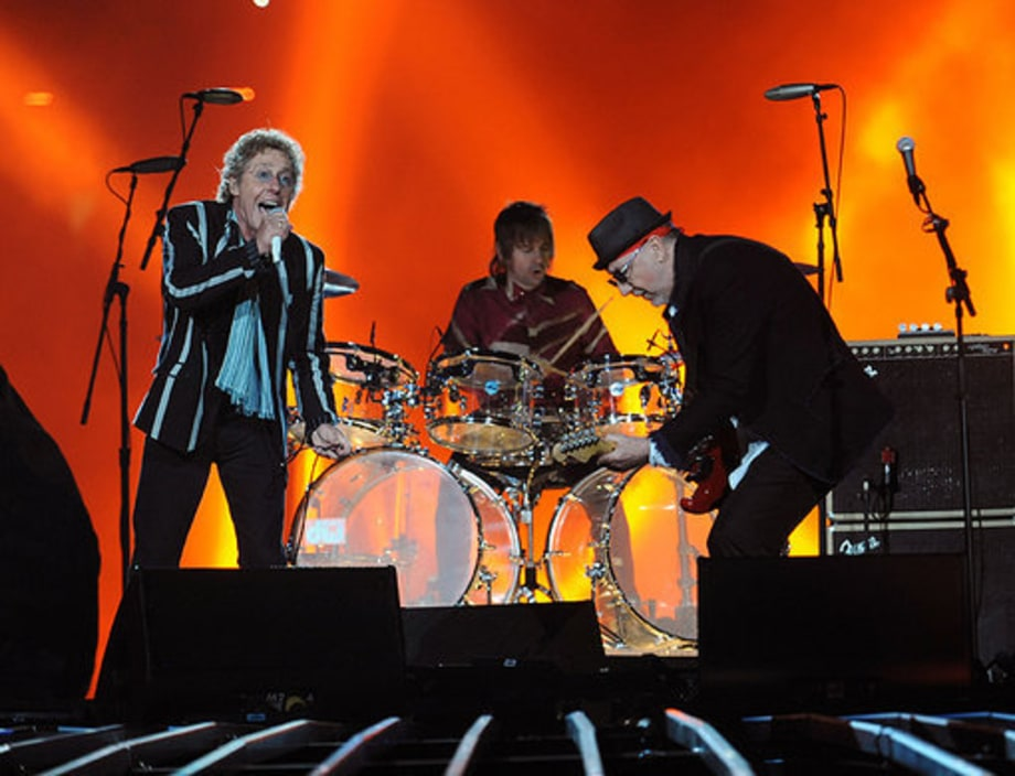 Super Bowl 2010 The WHo: 8