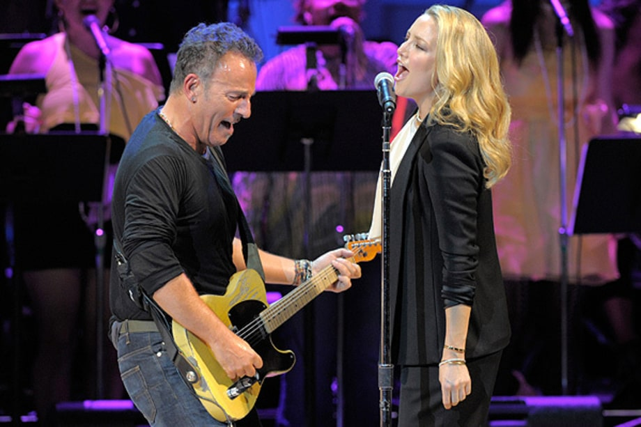 Bruce Springsteen and Kate Hudson