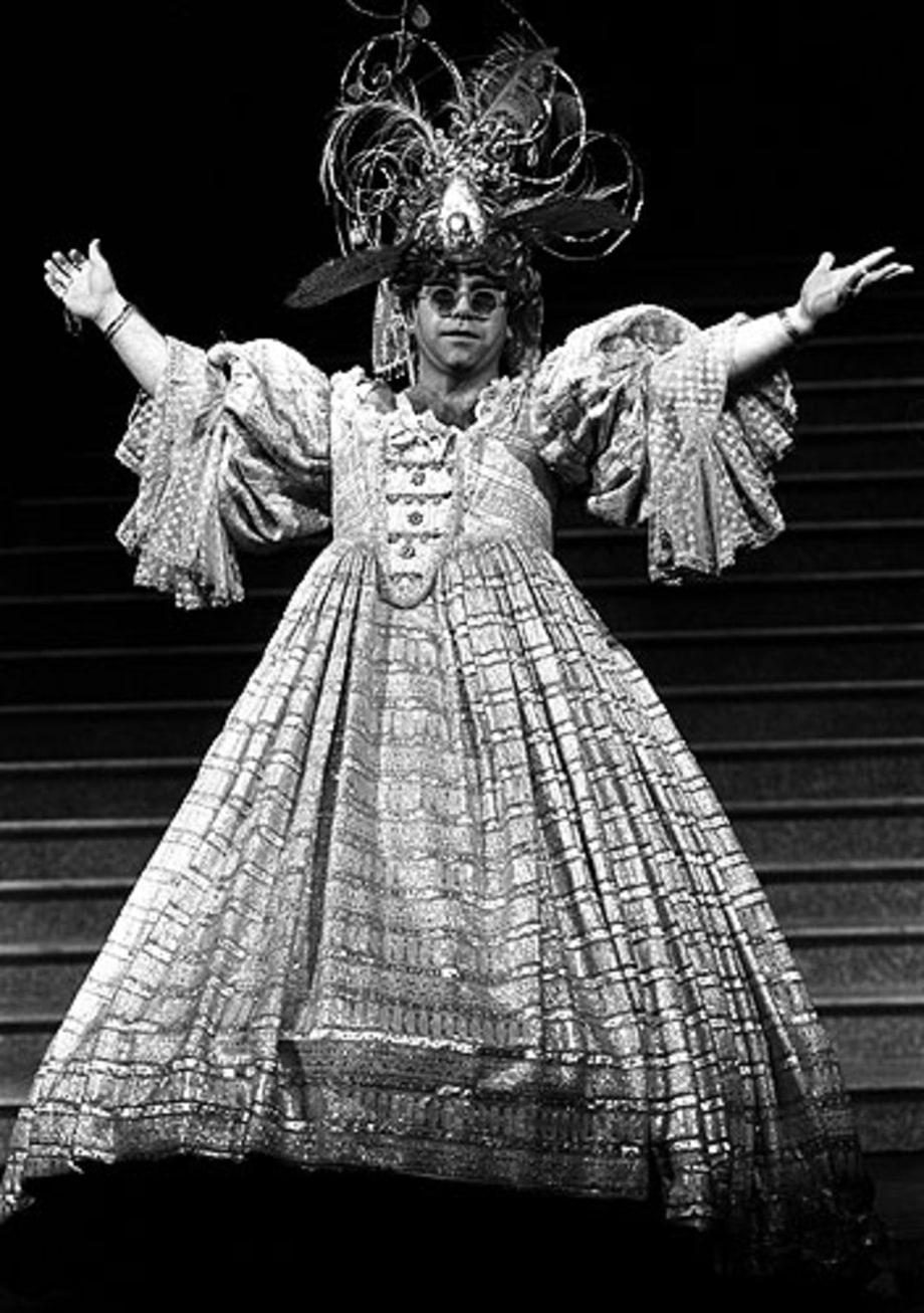 1984 Photos Elton John S Outfits Through The Years