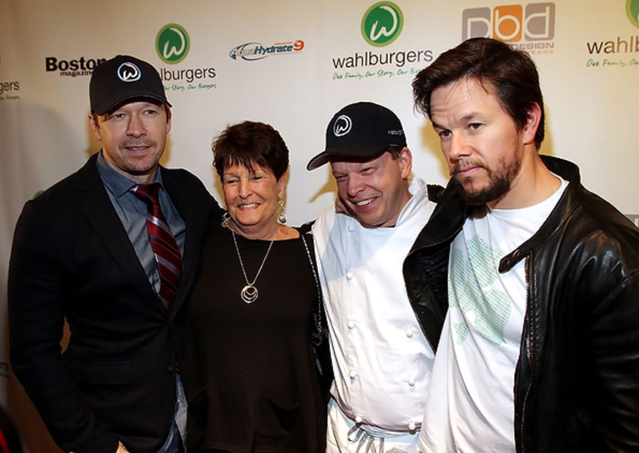 Donnie, Paul and Mark Wahlberg: Wahlburgers
