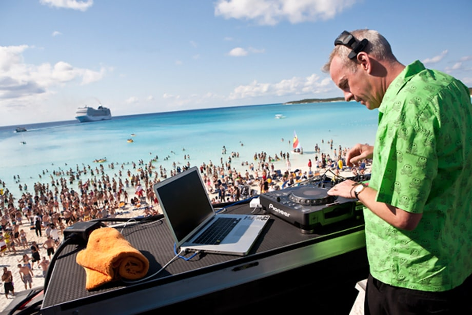 Fatboy Slim Digs In