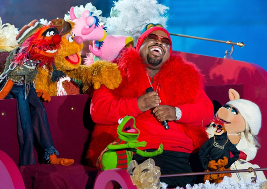 Cee Lo has a very Muppet Christmas