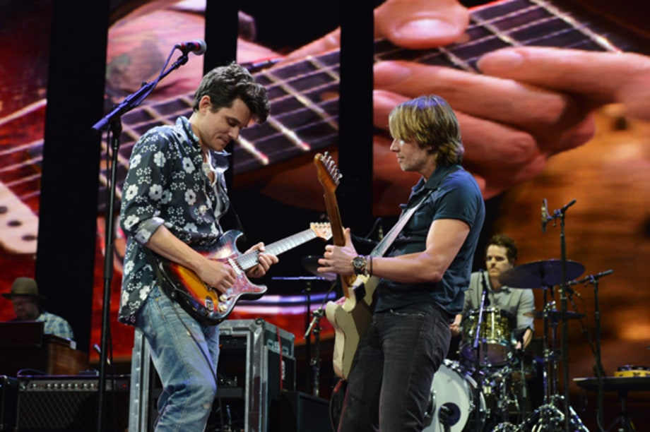 john mayer and keith urban crossroads guitar festival 2013 rolling stone. Black Bedroom Furniture Sets. Home Design Ideas