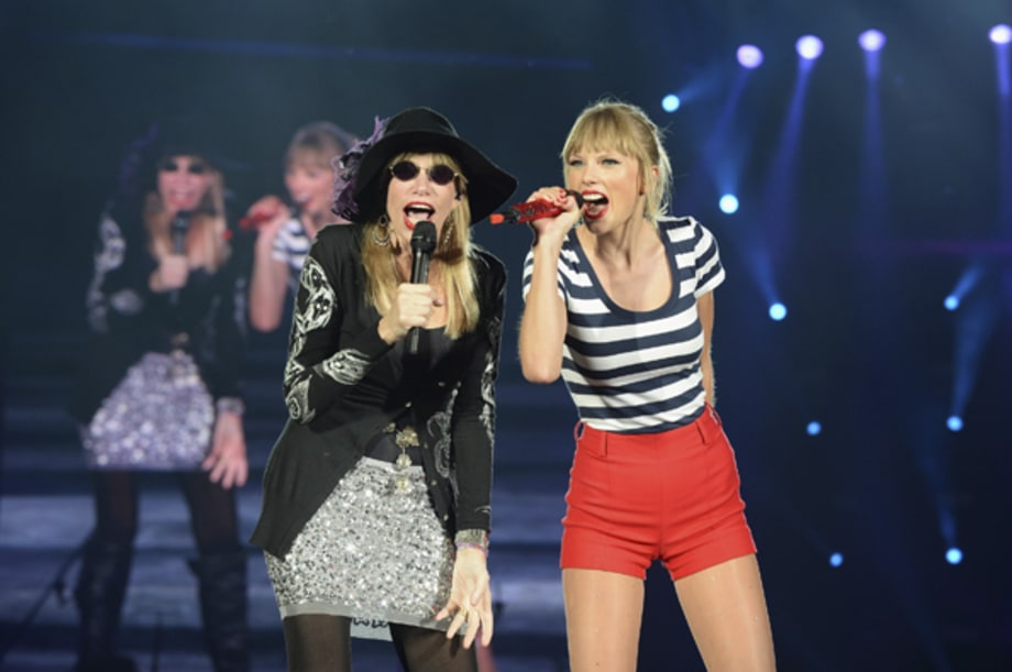 Taylor Swift and Carly Simon
