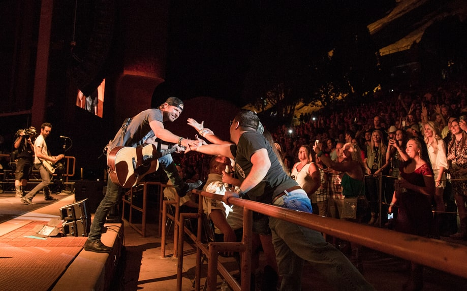 Front Row Friends Dierks Bentley Brings Country To Red Rocks Exclusive Photos Rolling Stone