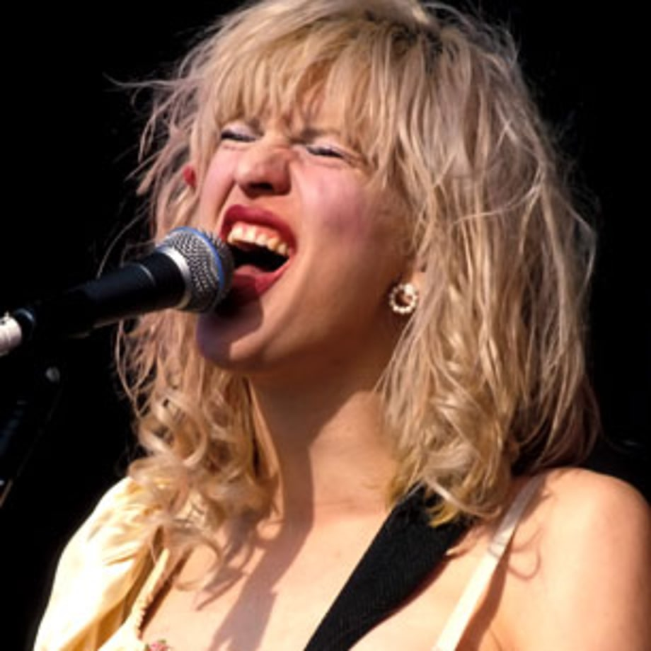 1994 Courtney Love makes a grunge classic