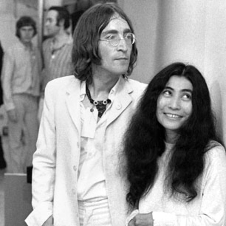 1966 Yoko Ono meets John Lennon at a London art gallery