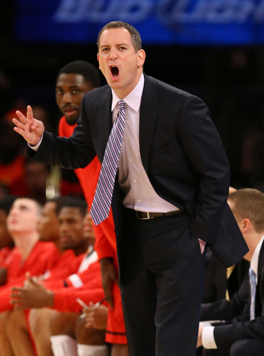 Rutgers Basketball Coach Loses His Cool