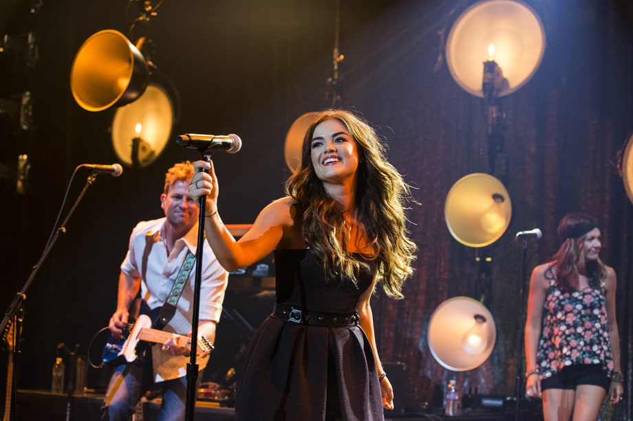 Lucy Hale Puts on a 'Pretty Little' Show in L.A.: Behind-the-Scenes Photos
