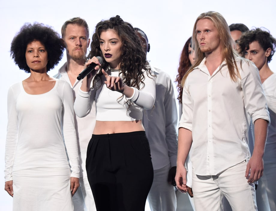 Best of the Night: Lorde Thinks Inside the Box