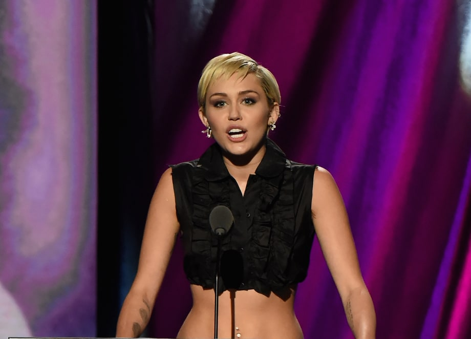 Best Badass Speech: Miley Cyrus Inducts Joan Jett