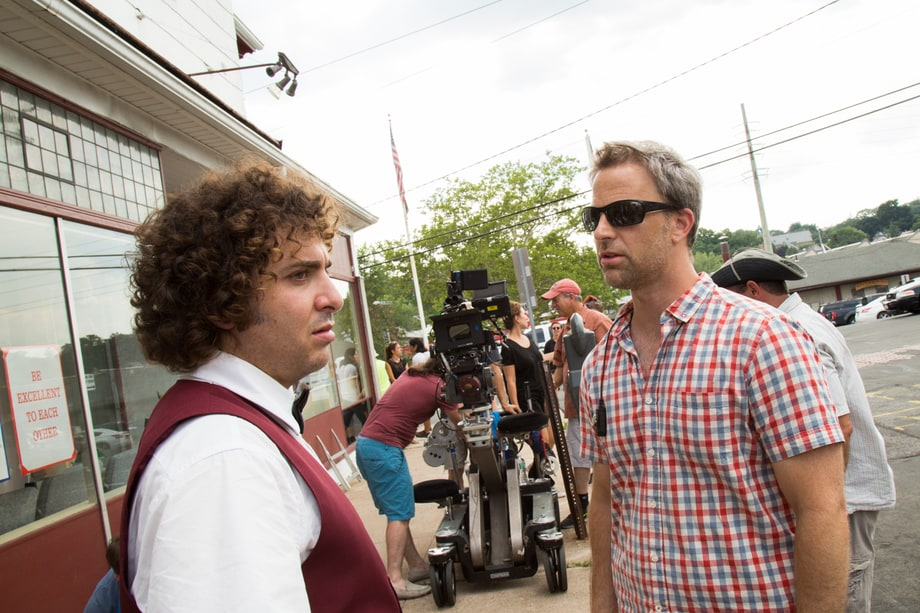 Oliver Cooper talks 'Red Oaks' scene with assistant director