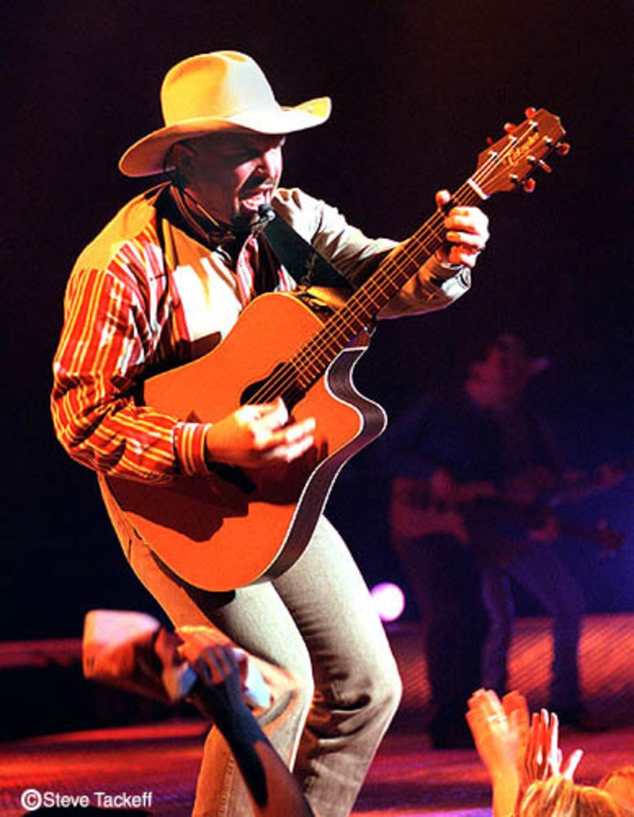 Garth Brooks Photos