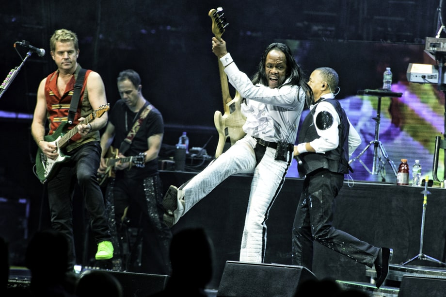 See Behind-the-Scenes Photos of Chicago and Earth, Wind & Fire Live