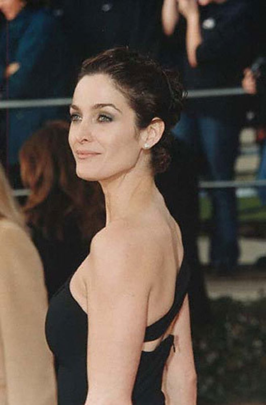 More Carrie-Anne Moss