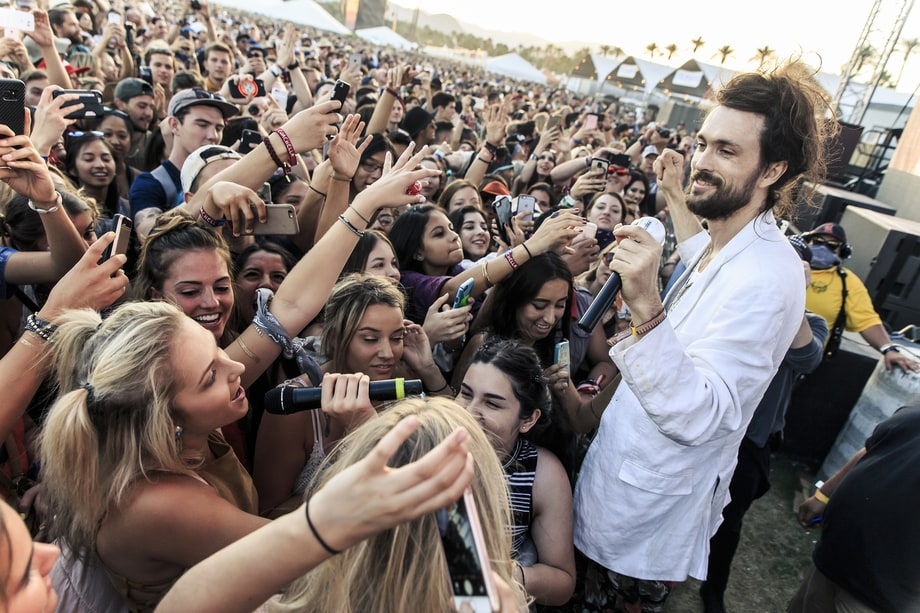 Best Audience Interaction: Edward Sharpe and the Magnetic Zeros