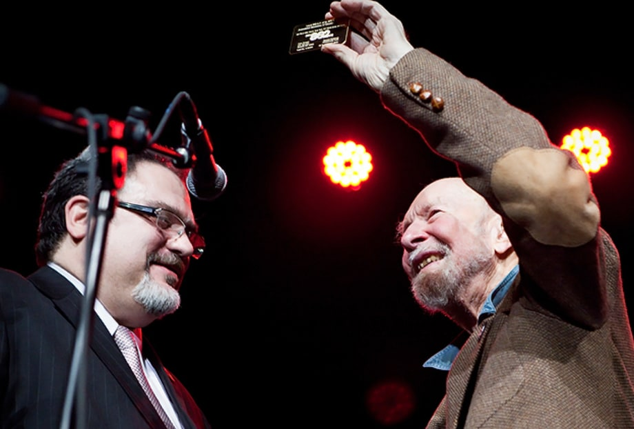 Pete Seeger Honored at Musicians' Union Benefit