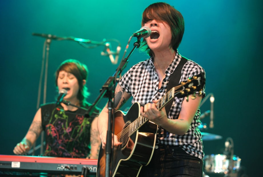 Tegan and Sara's Onstage Life