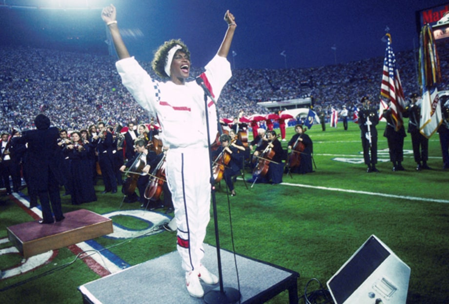 Ten Incredible Whitney Houston Performances