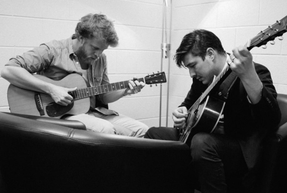 Mumford & Sons Behind the Scenes