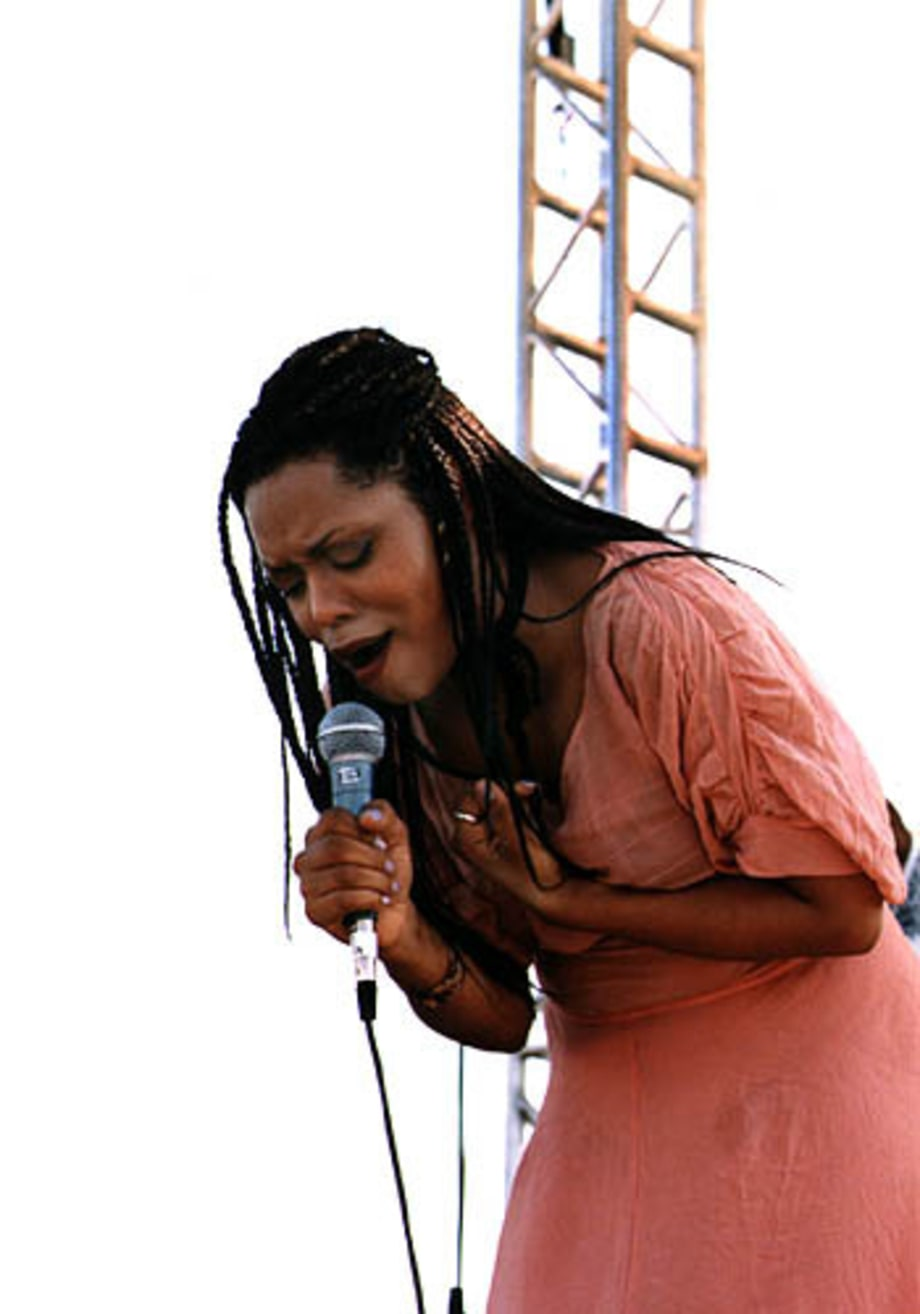 N'Dea Davenport at Lilith Fair '98
