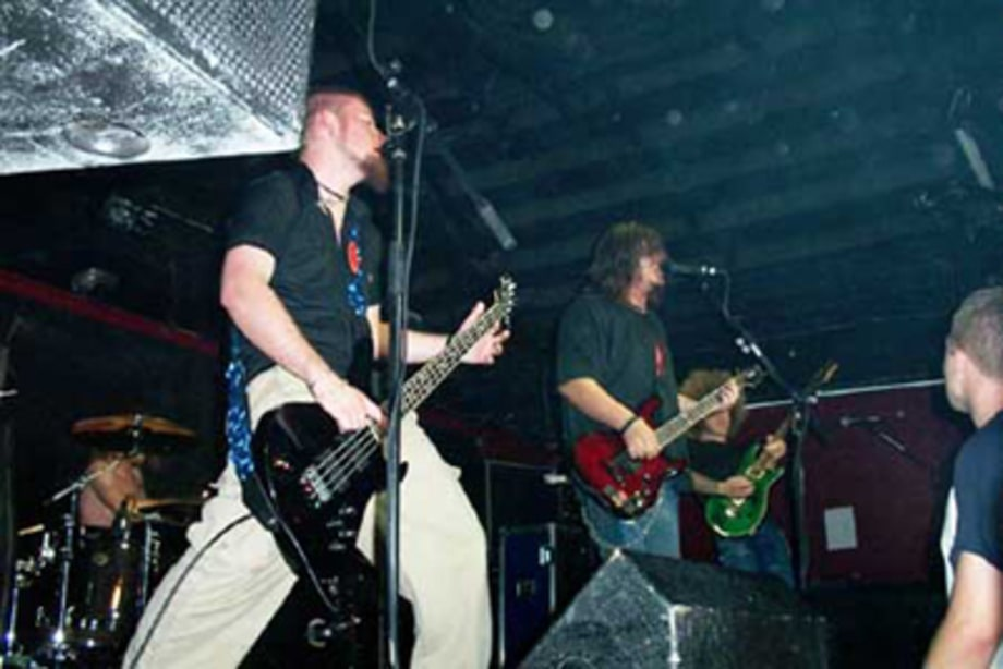 Seether5_salesfeature_081902