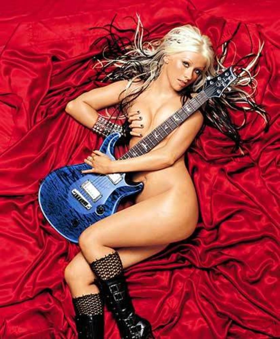 RS 909 w/out text Christina Aguilera large