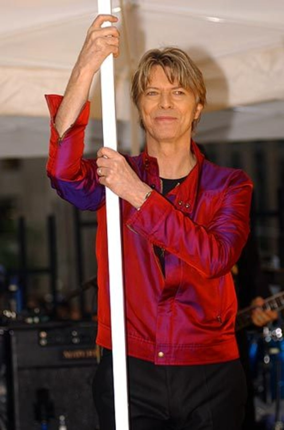 bowie4_todayshow2002_gallery