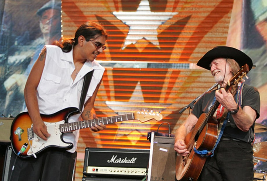 Los Lonely Boys & Willie Nelson 1 - Farm Aid 2005, Tinley Park, IL 9/18/05 large
