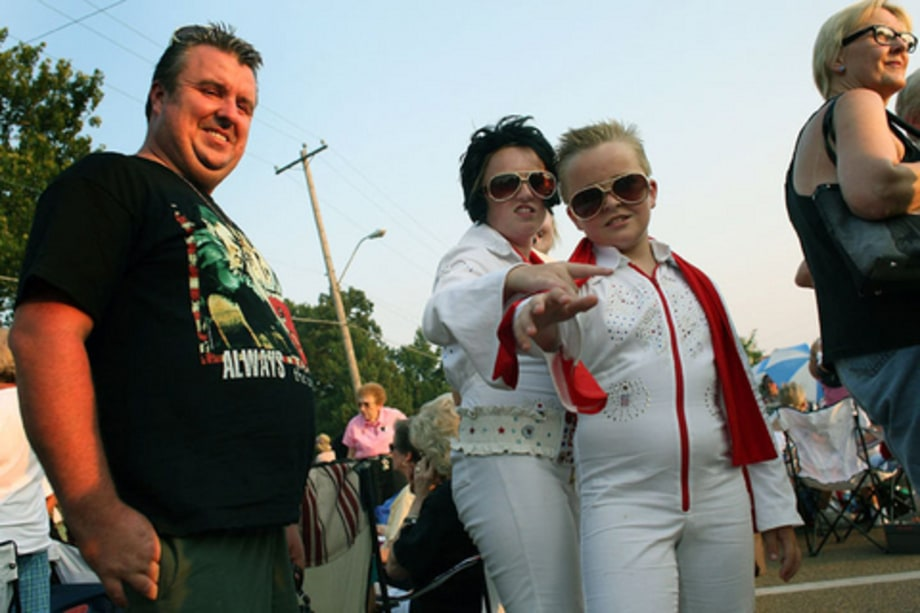 Elvis Remembered: Bro & Sis