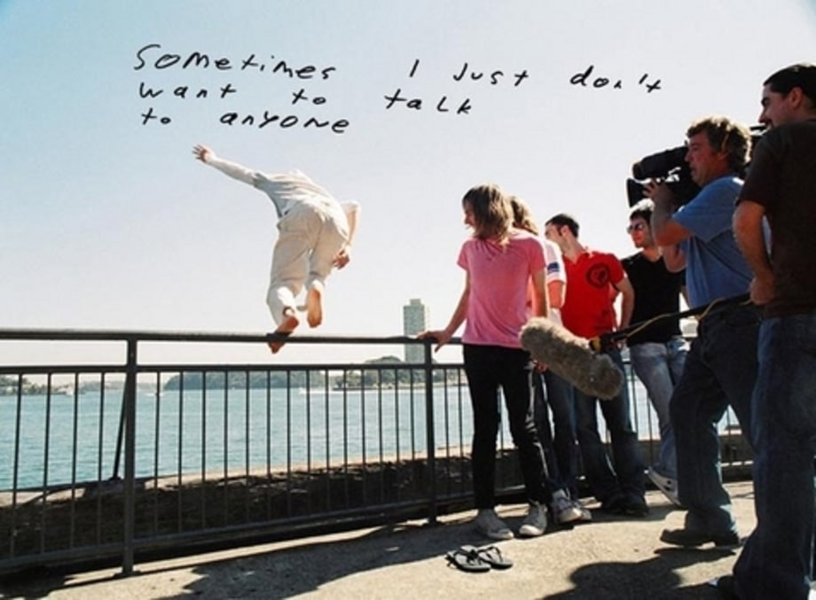 Maroon 5, Midnight Miles: jumping off the ledge